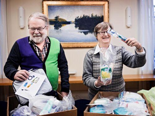 Par sker tjej Sverige Sdermanlands ln - BodyContact