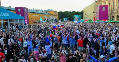 Kraftigt höjd coronasmitta i Ryssland precis då fotbolls-EM har börjat